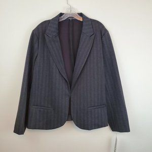 Amanda & Chelsea gray striped stretch blazer C1